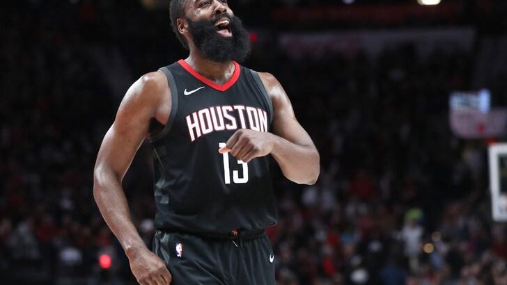 NBA, James Harden ancora sopra i 40 punti. Tutto facile per i Golden State Warriors