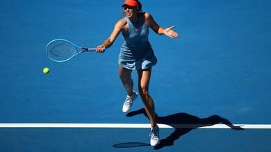 Australian Open: furia Sharapova, bene Wozniacki, out Ostapenko
