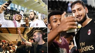 Il sorriso del Milan prima della Juve: scatti e autografi