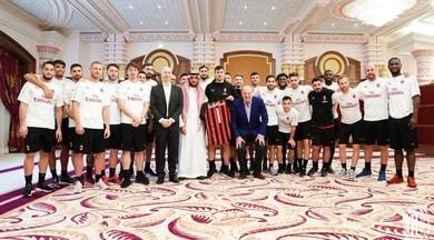 Milan, foto di gruppo prima della Supercoppa: non c'è Higuain