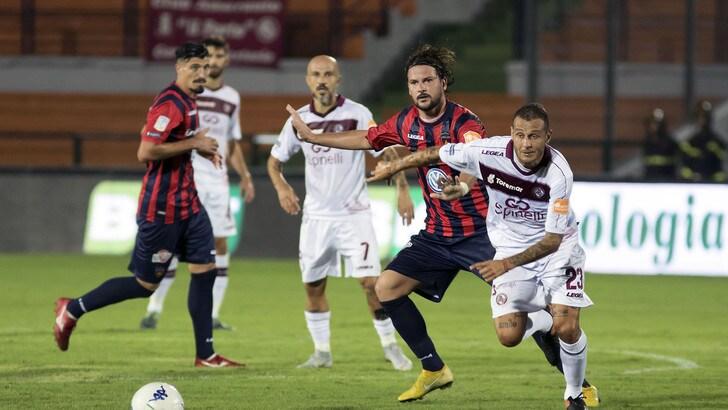 Calciomercato Cosenza, Varone saluta: c'è la Carrarese