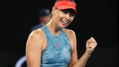 Australian Open: Sharapova show, battuta la Wozniacki