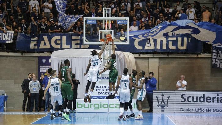 Basket Serie A, Cantù vince la prima del girone di ritorno: batte Avellino 83-73