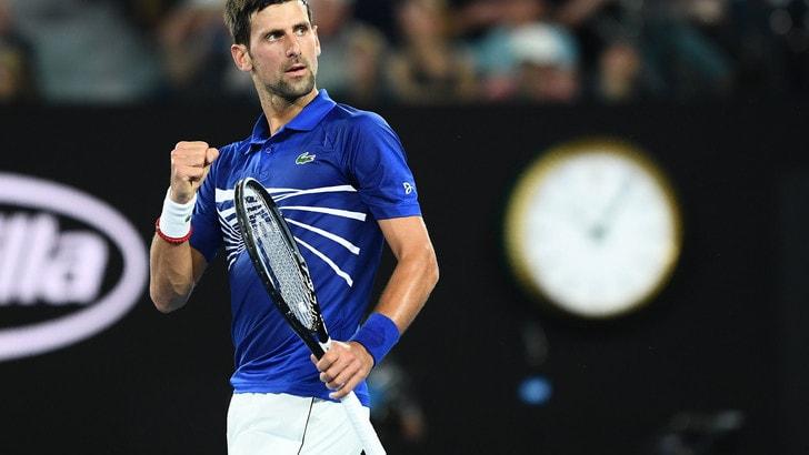 Tennis, Australian Open: Djokovic schiaccia Nishikori in quota