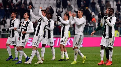 Serie A, Juventus-Chievo 3-0: decidono i gol di Douglas Costa, Emre Can e Rugani