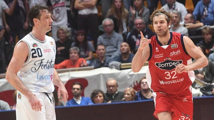 Basket, Serie A2: Cucci, prima da ex a Tortona