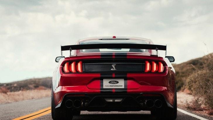 Ford Mustang, futuro ibrido e a trazione integrale