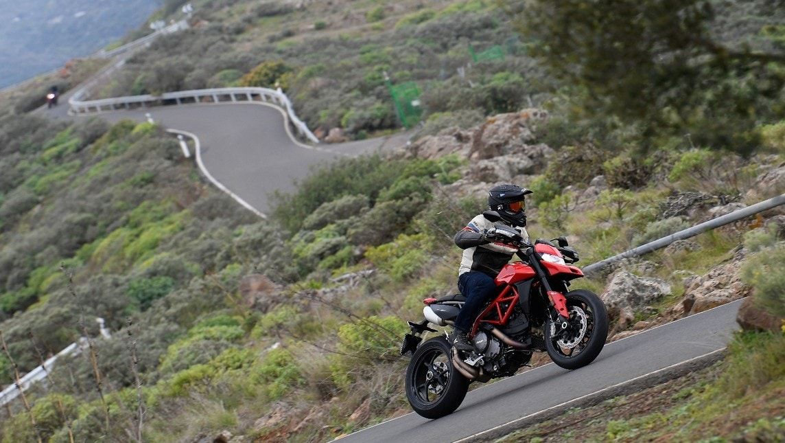 Ducati Hypermotard 950 e 950 SP, la prova su strada