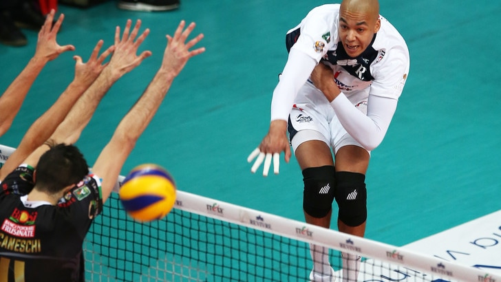 Volley: Superlega, Milano che rimonta ! battuta Sora al tie break
