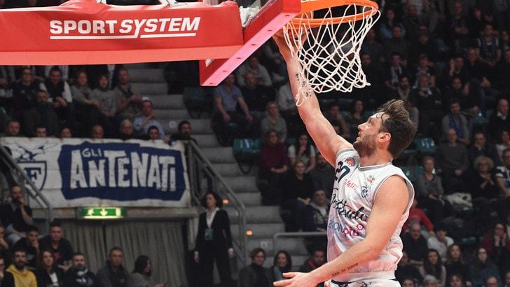 Basket, Serie A2: Bologna oltre quota 100, non c'è storia contro Jesi