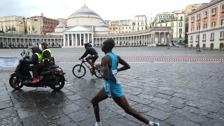 Top runners alla Napoli City Half Marathon, si tenta di sfondare  il muro dell'ora