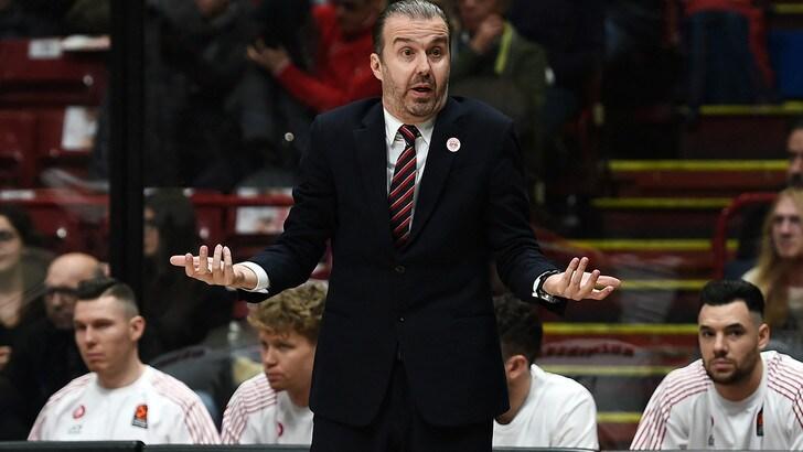 Basket, Eurolega, l'Olimpia Milano contro Darussafaka. Pianigiani: «Tante assenze, sarà dura»