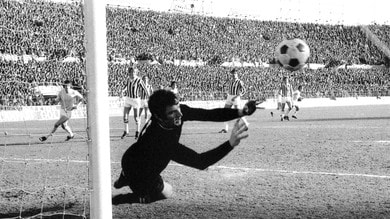 Dino Zoff, mani da campione