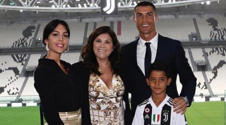 Juventus, la mamma di Ronaldo rivela: «Ho di nuovo il cancro»