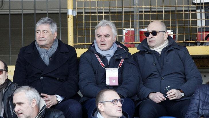 Serie B Spezia, violate le norme sull'immigrazione: inibiti Chisoli e Micheli