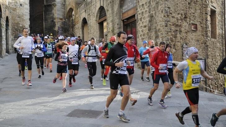 Sport e cultura attraverso i luoghi del Patrimonio Unesco alla Terre di Siena Ultramarathon: