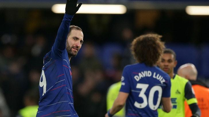 Chelsea, il blocco del mercato inguaia la Juve: Higuain può tornare in bianconero