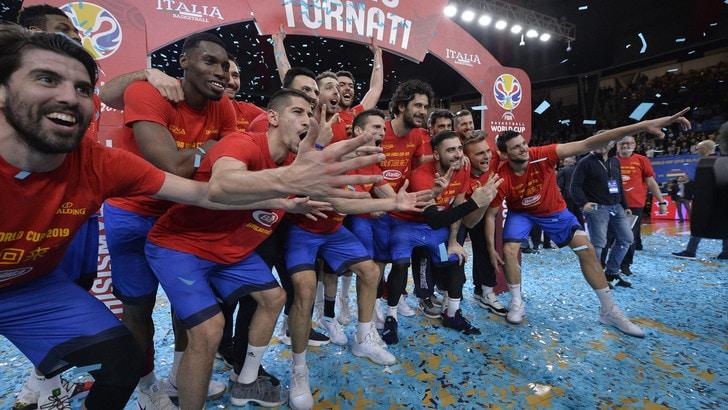 Basket, l'Italia va ai Mondiali! Travolta l'Ungheria 75-41