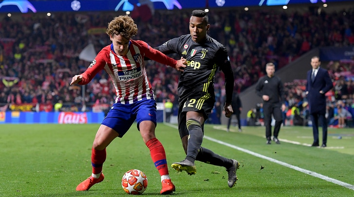 Juve, traffico su Alex Sandro: Manchester United in pole