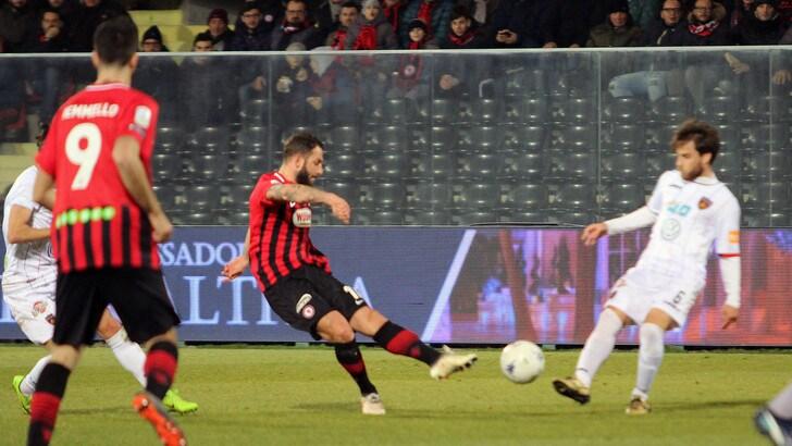 Serie B, Foggia-Cosenza 1-0: decide l'autorete di Dermaku