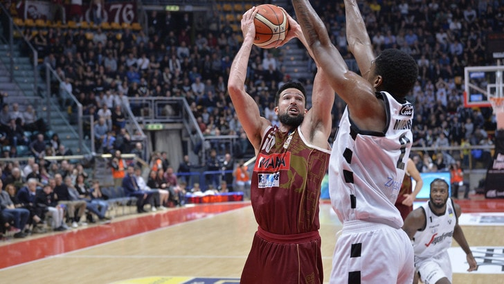 Basket Serie A, Bologna crolla in casa contro Venezia