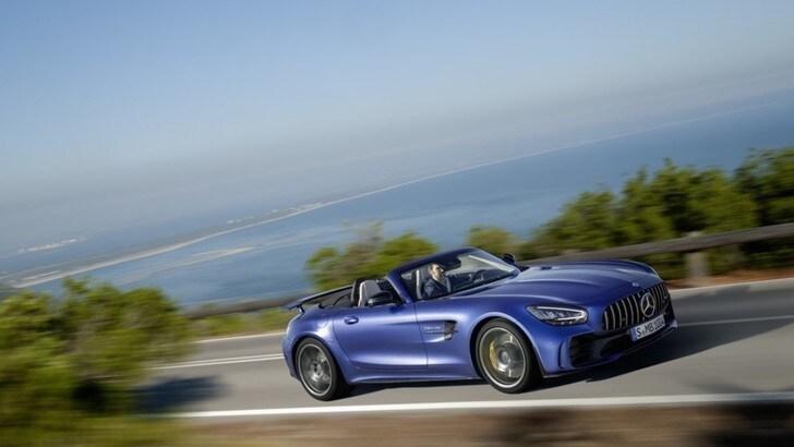 Mercedes-AMG GT R Roadster, prestazioni super