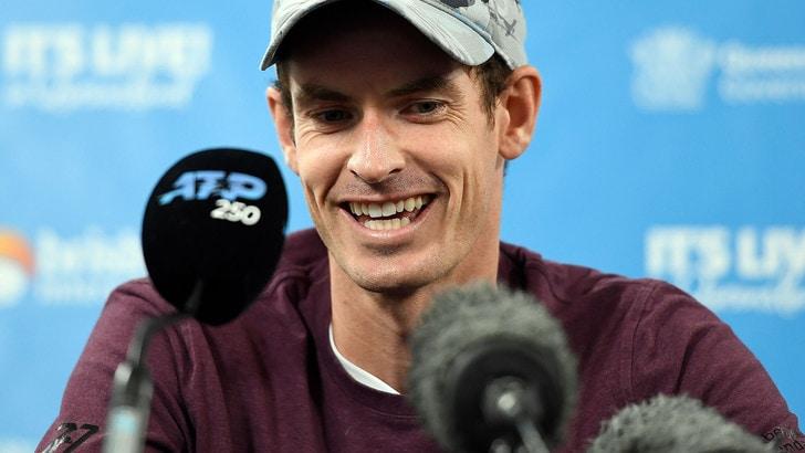 Tennis, Murray ci riprova: «Voglio tornare a giocare»