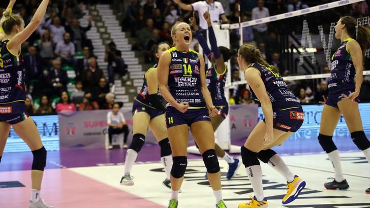 Volley: A1 Femminile, Conegliano trema ma supera Firenze al tie break