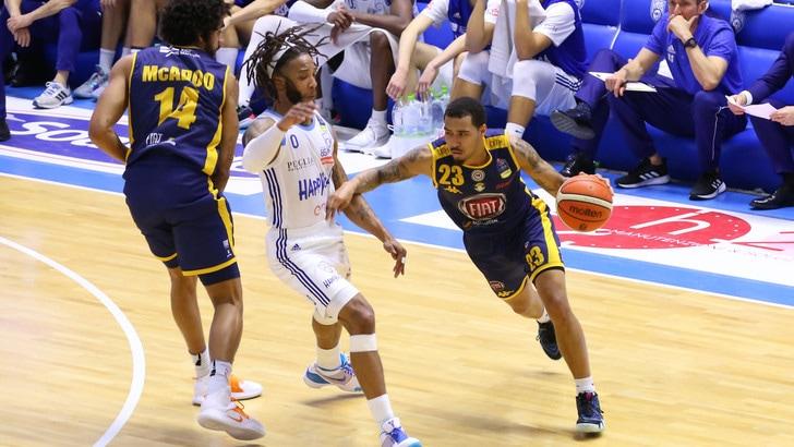 Basket Serie A, Torino sfiora l'impresa: Brindisi vince solo all'overtime