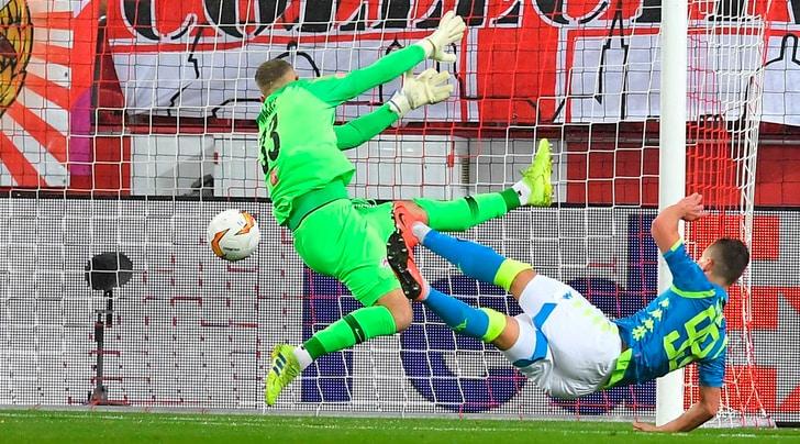 Salisburgo-Napoli 3-1: Milik firma il passaggio ai quarti