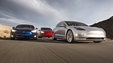 Tesla S 3 X Y, l'ultima genialata di Elon Musk