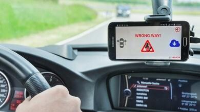 Bosch, un software avverte di un veicolo contromano