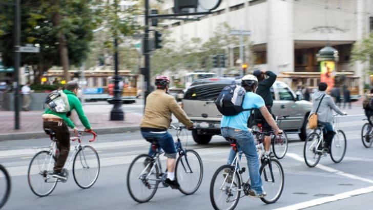 Bici, proposto decreto legge per targhe e assicurazioni