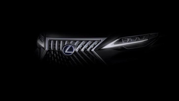 Lexus, nuova monovolume? Intanto spunta il teaser
