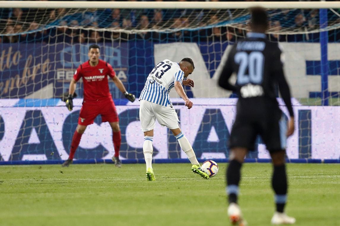 La Lazio cade malamente a Ferrara. Decide Petagna allo scadere