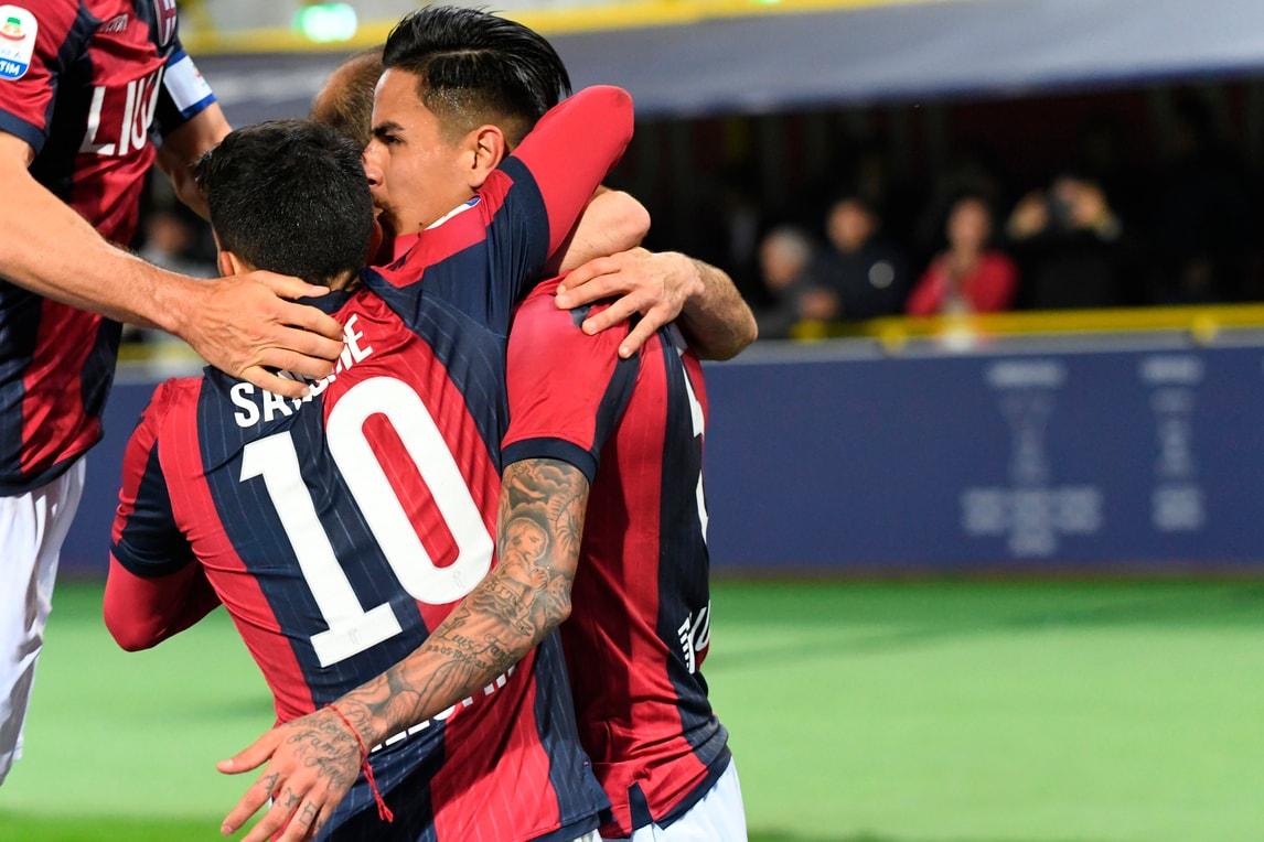 Dall'Ara in festa: il Bologna fa 3-0 con la doppietta di Pulgar e Dijks nel finale