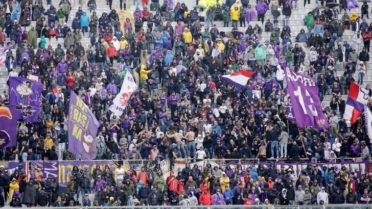Fiorentina, la risposta dei tifosi: «Società vergognosa, andatevene!»