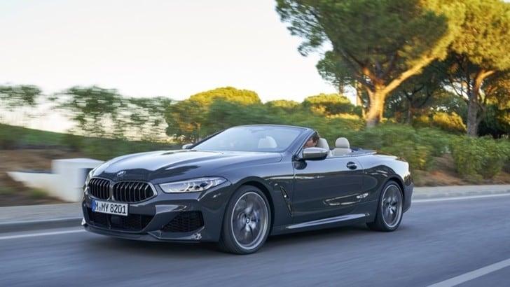 BMW, la prova su strada della Serie 8 Cabrio