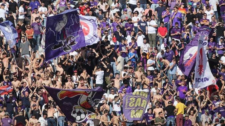 Fiorentina, spalti vuoti per 45' contro il Bologna