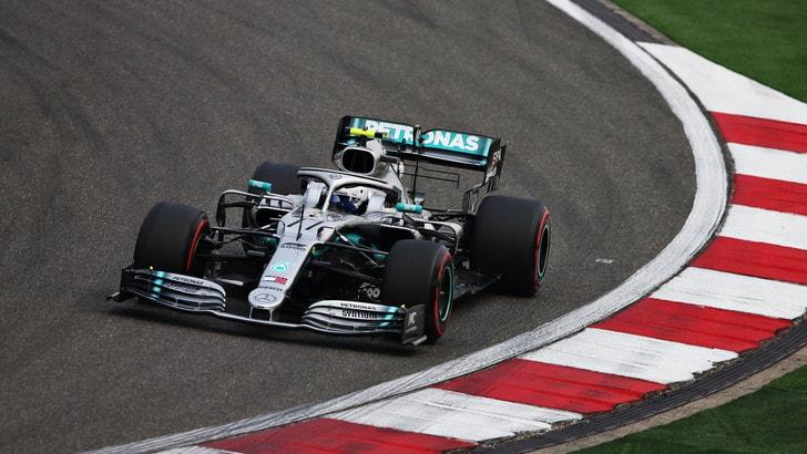 F1, Gp Cina: Bottas vola nelle seconde libere, Vettel 2°