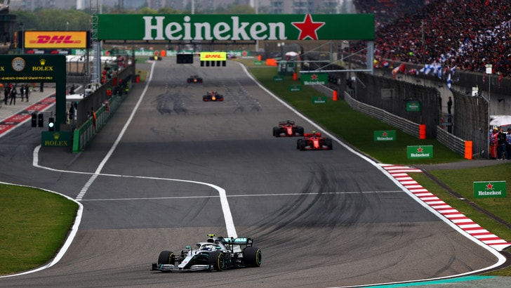 F1 Gp Cina: doppietta Mercedes, Vettel terzo al traguardo