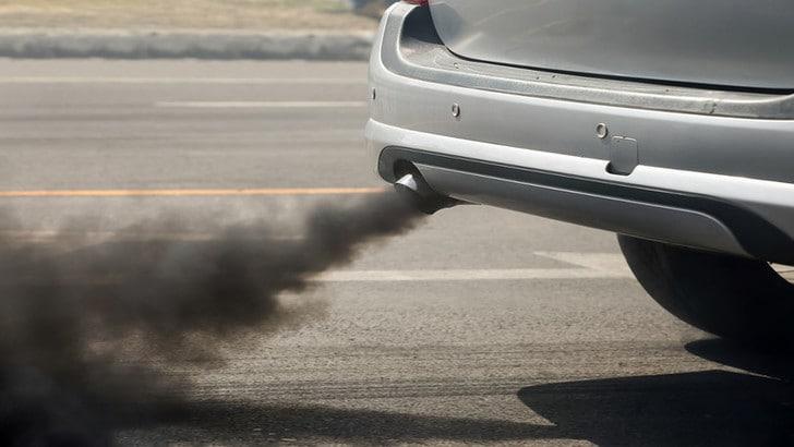 Auto, via libera Ue a ulteriore taglio di emissioni Co2