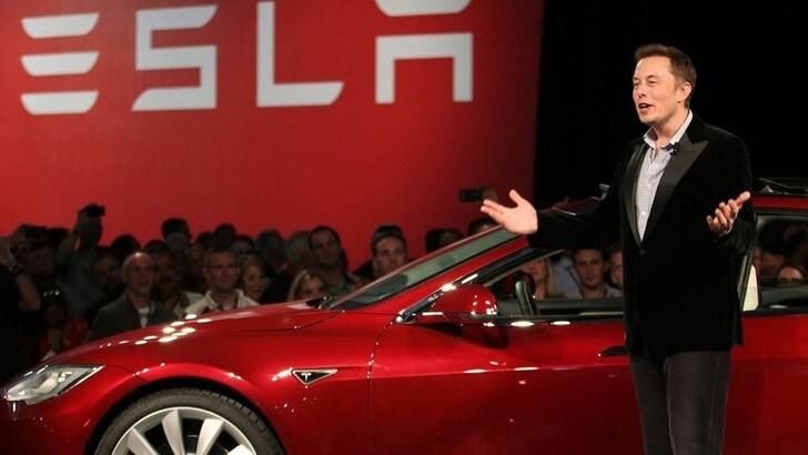 Tesla investe con Nasa in DART per combattere gli asteroidi