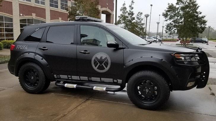 SUV da supereroi: la MDX degli Avengers in vendita