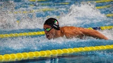Il campione Europeo Piero Codia alla 12 ore Nuotando con Amore