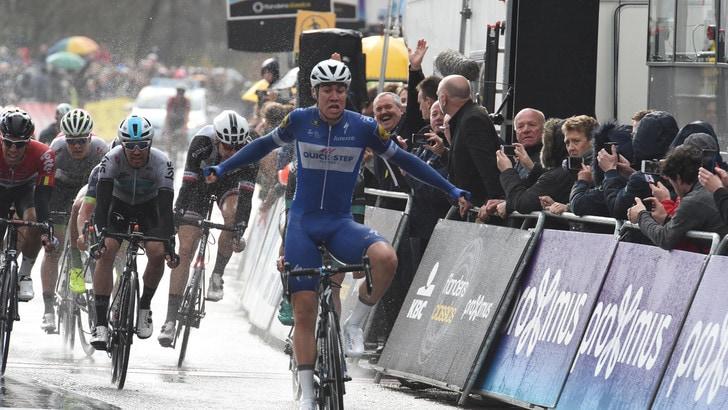Ciclismo, Giro di Turchia: Jakobsen nega il tris a Bennett