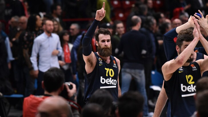 Basket, Eurolega amara per Hackett e Datome: Cska e Fenerbahce ko