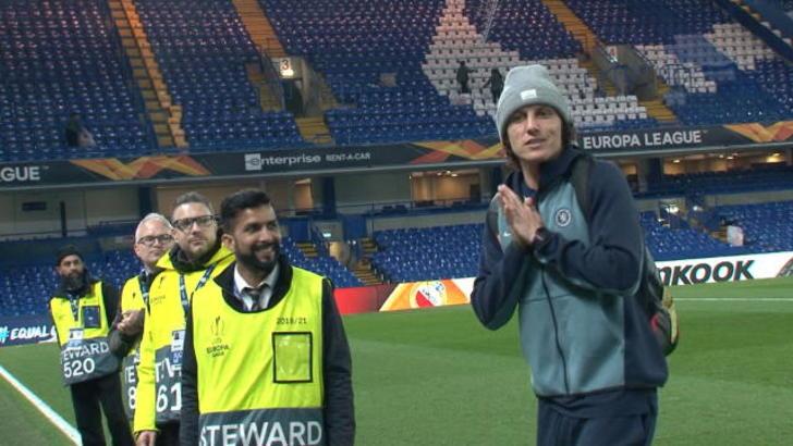 David Luiz dribbla i giornalisti perché...