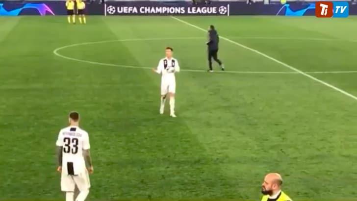 Il video di Ronaldo alla fine di Juve-Ajax fa il giro del web