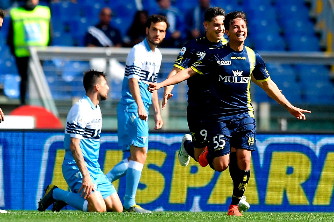 Il Chievo mette in ginocchio la Lazio